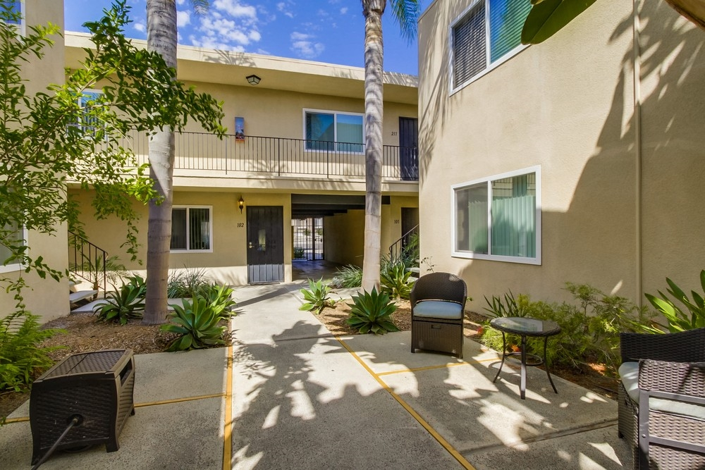 Photo 6: UNIVERSITY HEIGHTS Condo for sale : 1 bedrooms : 4541 FLORIDA STREET #102 in San Diego