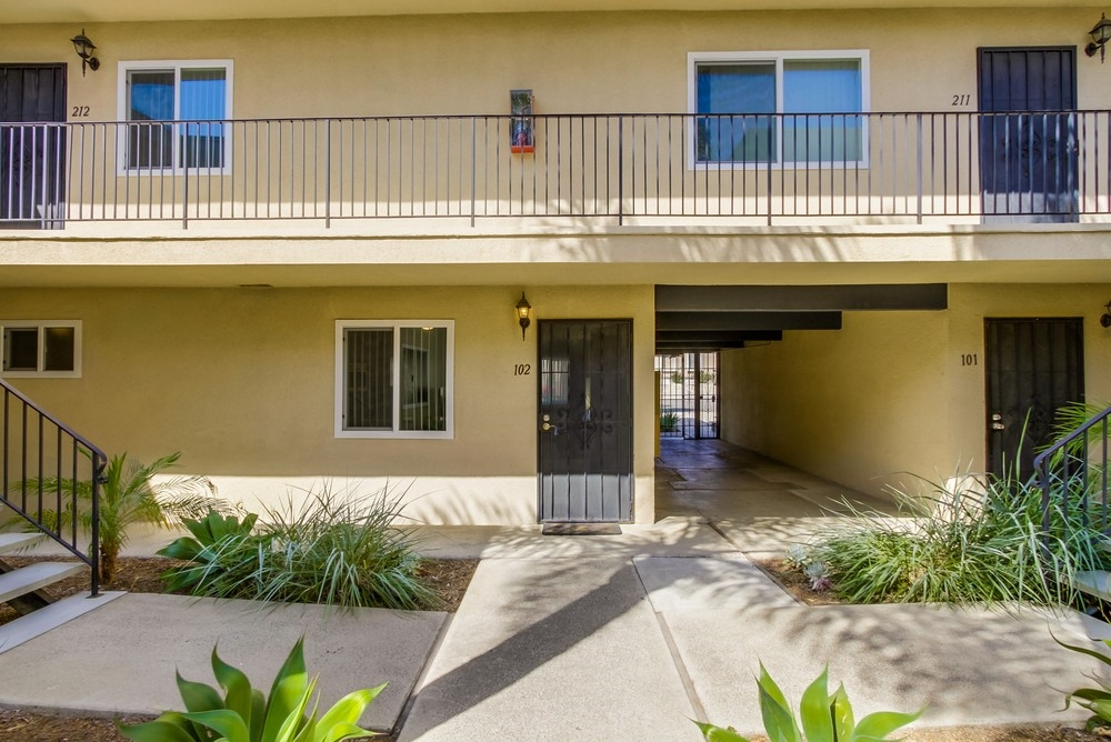 Photo 7: UNIVERSITY HEIGHTS Condo for sale : 1 bedrooms : 4541 FLORIDA STREET #102 in San Diego