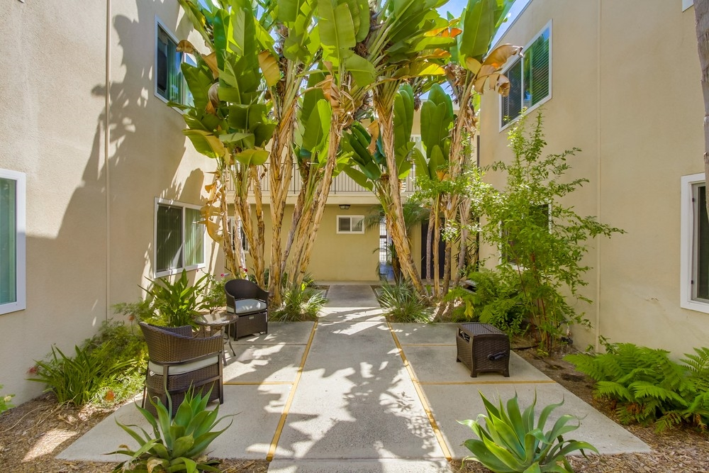 Photo 5: UNIVERSITY HEIGHTS Condo for sale : 1 bedrooms : 4541 FLORIDA STREET #102 in San Diego