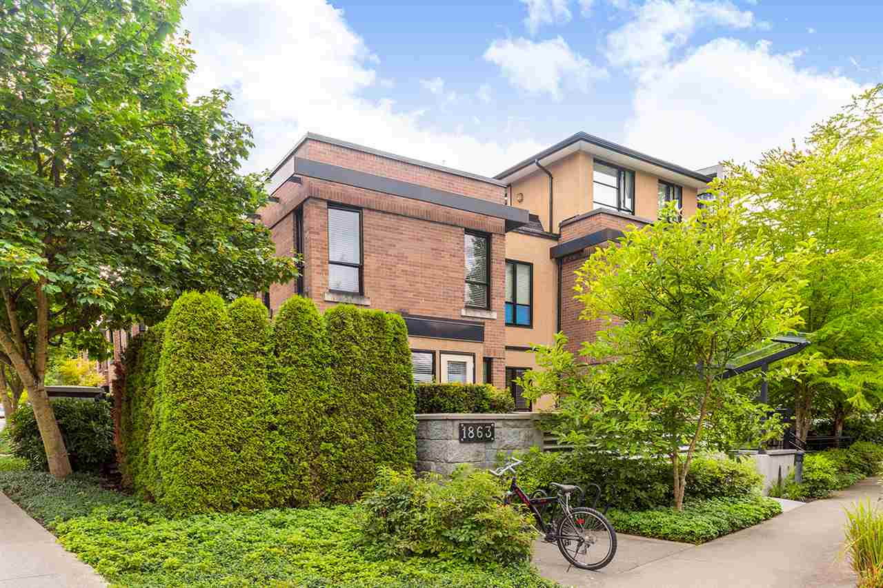 "Main Photo: 24 1863 WESBROOK Mall in Vancouver: University VW Townhouse for sale in ""ESSE"" (Vancouver West)  : MLS® # R2127294"