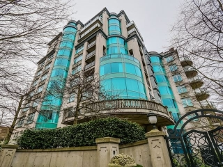 "Main Photo: 4A 1596 W 14TH Avenue in Vancouver: Fairview VW Condo for sale in ""KINGSWOOD"" (Vancouver West)  : MLS® # R2132310"