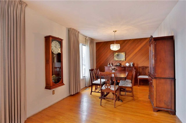 Photo 6: 2386 Wyandotte Drive in Oakville: Bronte West House (Bungalow-Raised) for sale : MLS® # W3704029
