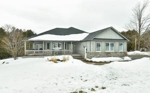 Main Photo: 20 Mount Haven Crescent in East Luther Grand Valley: Grand Valley House (Bungalow) for sale : MLS® # X3711592