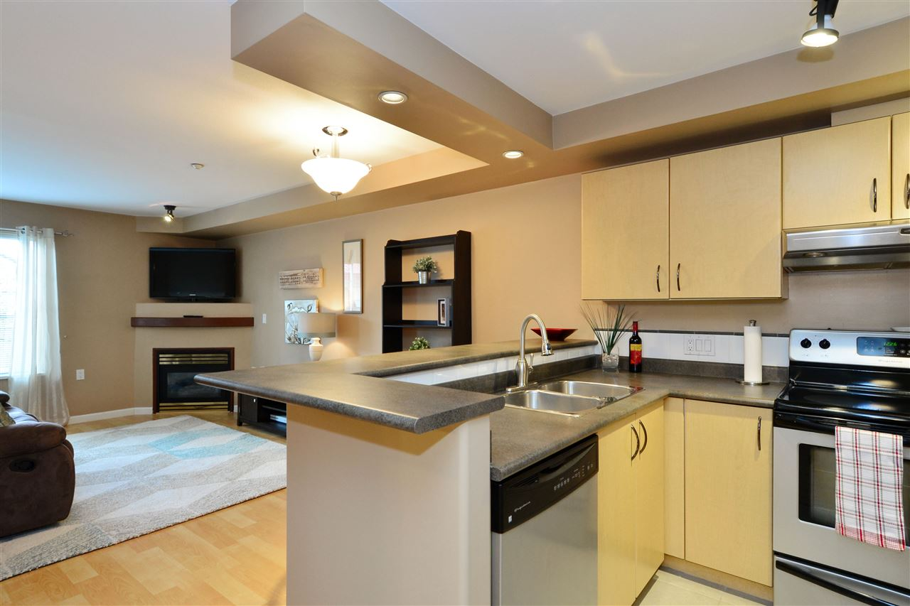 "Photo 9: 103 20200 56 Avenue in Langley: Langley City Condo for sale in ""THE BENTLEY"" : MLS® # R2142341"