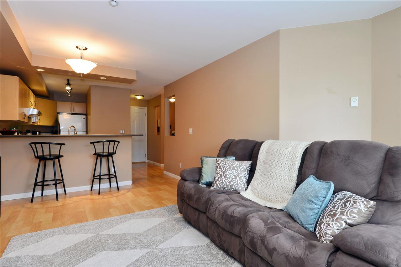 "Photo 3: 103 20200 56 Avenue in Langley: Langley City Condo for sale in ""THE BENTLEY"" : MLS® # R2142341"