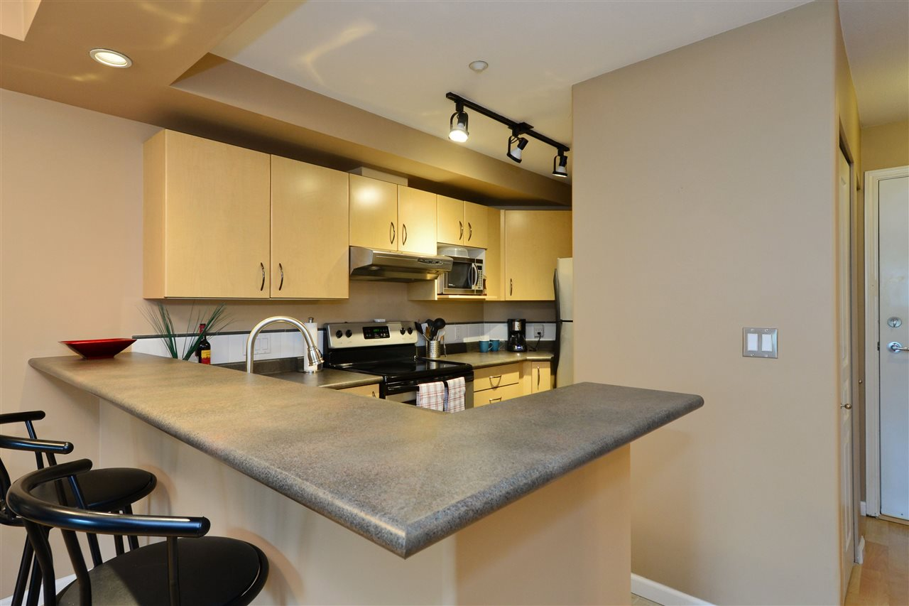 "Photo 8: 103 20200 56 Avenue in Langley: Langley City Condo for sale in ""THE BENTLEY"" : MLS® # R2142341"