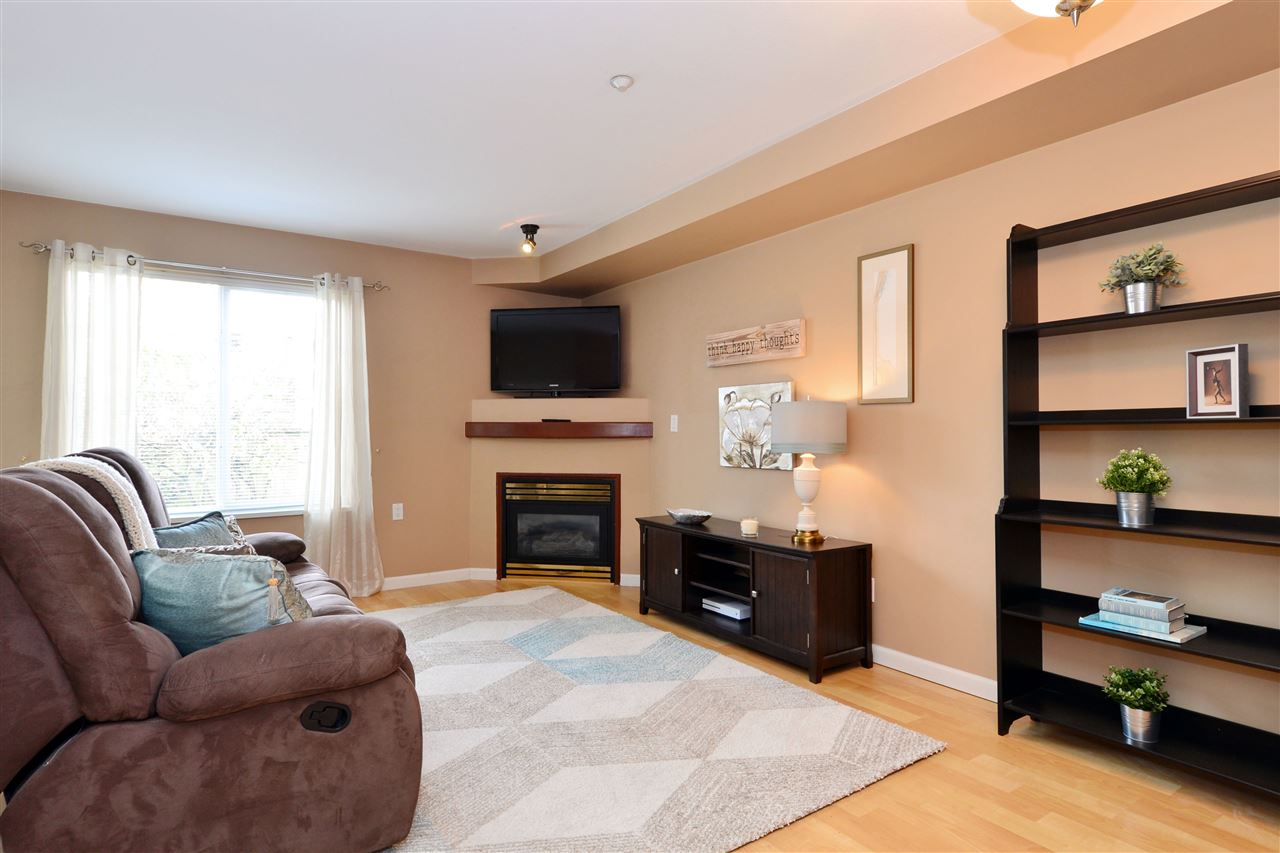 "Photo 2: 103 20200 56 Avenue in Langley: Langley City Condo for sale in ""THE BENTLEY"" : MLS® # R2142341"