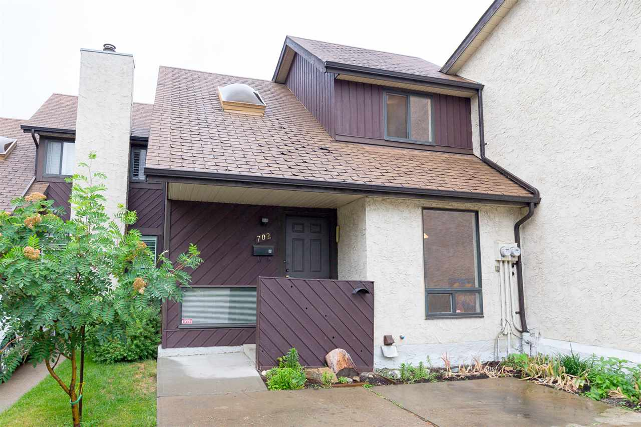 Main Photo:  in Edmonton: Zone 16 Townhouse for sale : MLS(r) # E4069038