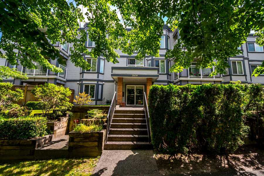 "Main Photo: 303 5674 JERSEY Avenue in Burnaby: Central Park BS Condo for sale in ""PARKVIEW PLACE"" (Burnaby South)  : MLS® # R2184589"