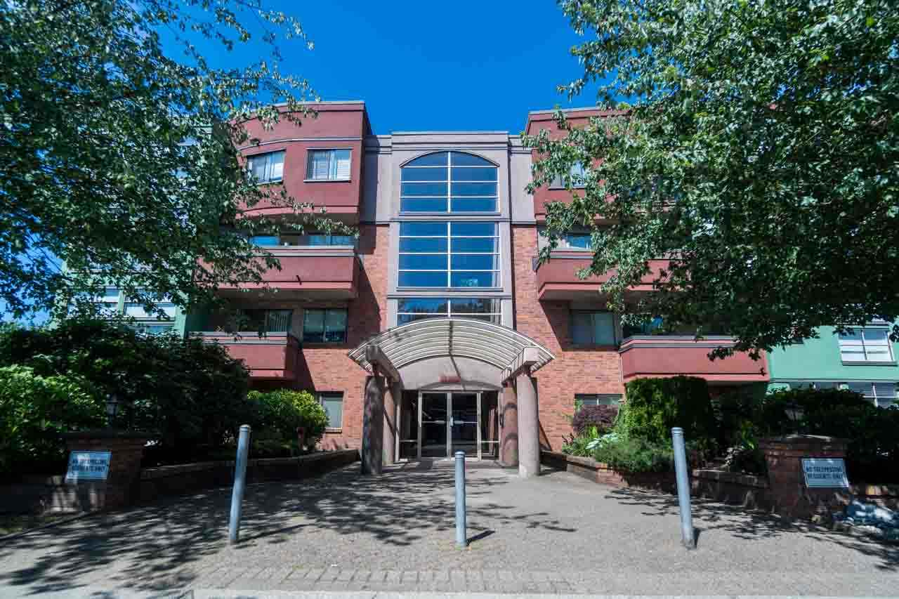"Main Photo: 103 12025 207A Street in Maple Ridge: Northwest Maple Ridge Condo for sale in ""ATRIUM"" : MLS(r) # R2192365"
