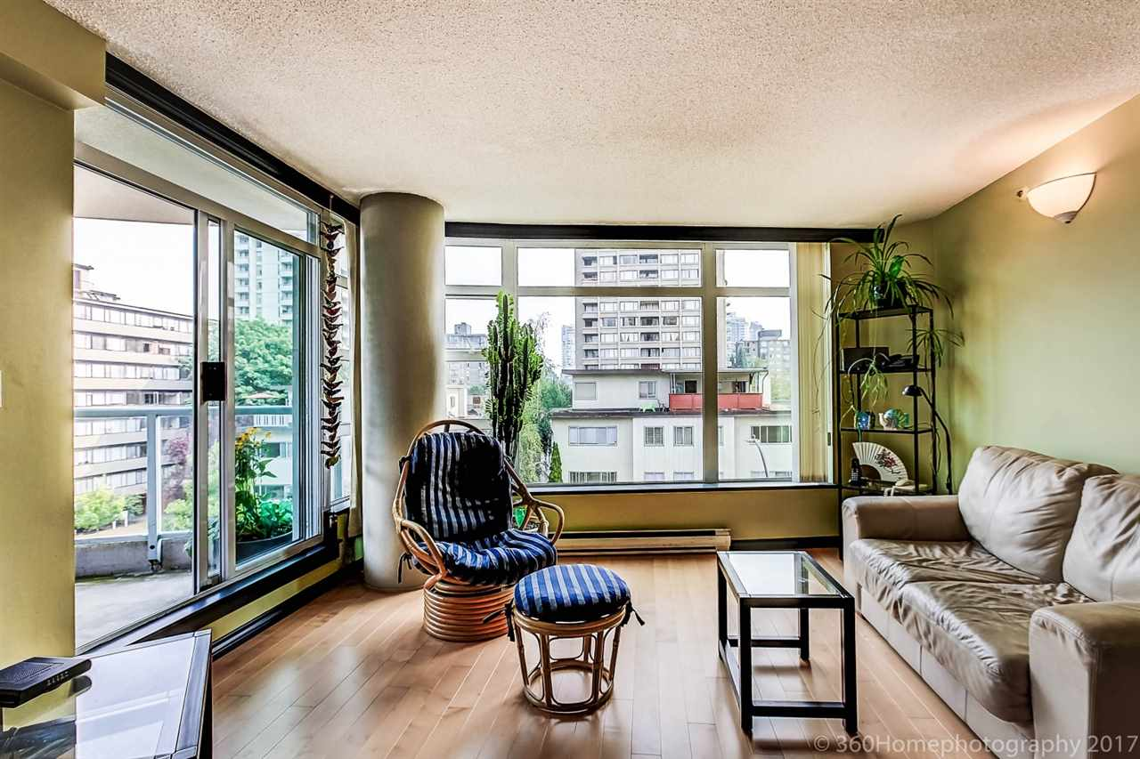 "Main Photo: 401 1272 COMOX Street in Vancouver: West End VW Condo for sale in ""CHATEAU COMOX"" (Vancouver West)  : MLS® # R2195618"