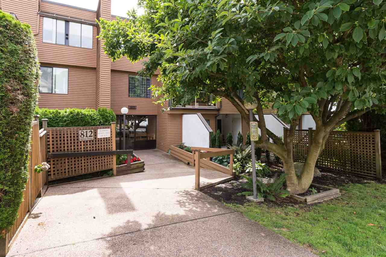 "Main Photo: 102 812 MILTON Street in New Westminster: Uptown NW Condo for sale in ""HAWTHORNE PLACE"" : MLS® # R2198984"