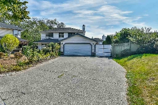 Main Photo: 14666 85 Avenue in Surrey: Bear Creek Green Timbers House for sale : MLS® # R2207575