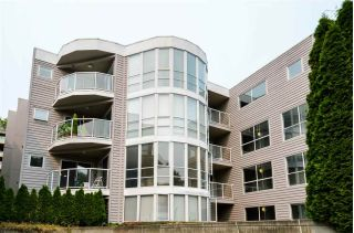 Main Photo: 201 2815 YEW Street in Vancouver: Kitsilano Condo for sale (Vancouver West)  : MLS® # R2221965