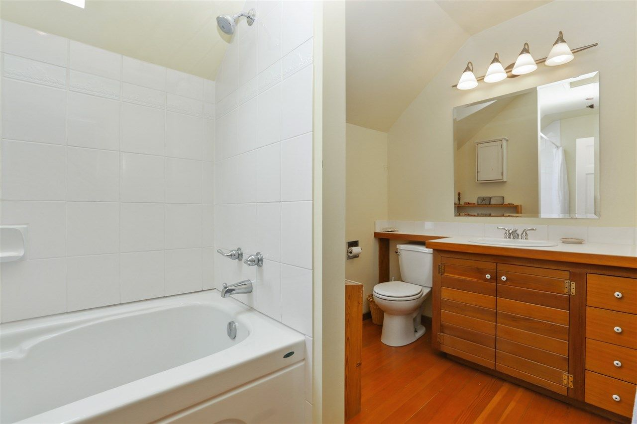Photo 13: Photos: 242 E 28TH Street in North Vancouver: Upper Lonsdale House for sale : MLS® # R2233565
