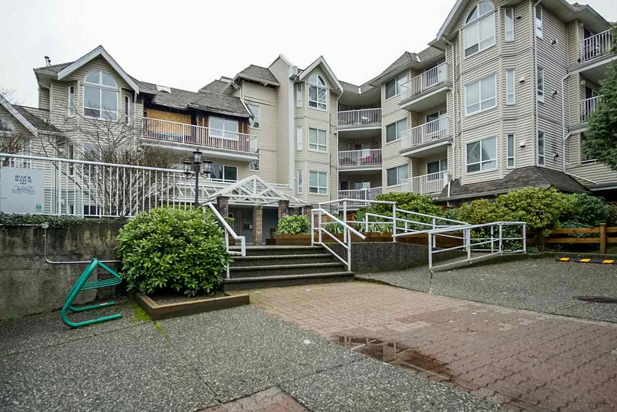 Main Photo: 104 13475 96 Avenue in Surrey: Whalley Condo for sale (North Surrey)  : MLS® # R2235341