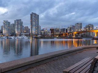 "Main Photo: 120 525 WHEELHOUSE Square in Vancouver: False Creek Condo for sale in ""HENLEY COURT"" (Vancouver West)  : MLS® # R2247737"