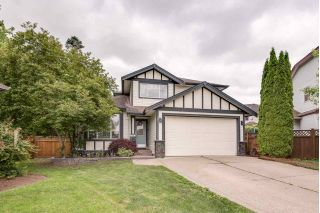 Main Photo: 6928 182A Street in Surrey: Cloverdale BC House for sale (Cloverdale)  : MLS®# R2271601