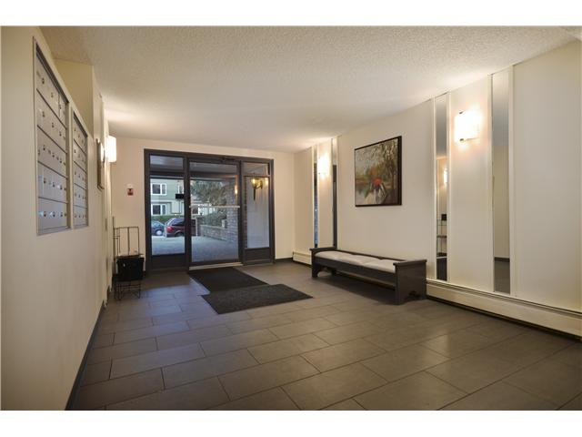 Main Photo: 208 1515 E 5TH Avenue in Vancouver: Grandview VE Condo for sale (Vancouver East)  : MLS(r) # V943755