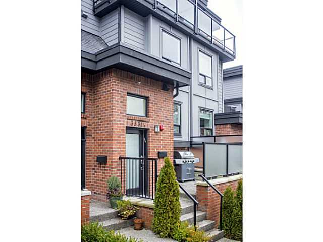 "Main Photo: 3331 WINDSOR ST in Vancouver: Fraser VE Townhouse for sale in ""THE NINE"" (Vancouver East)  : MLS® # V1043516"