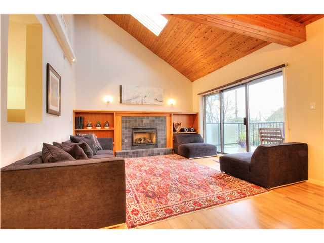 "Main Photo: 66 E 27TH Avenue in Vancouver: Main House for sale in ""WEST OF MAIN"" (Vancouver East)  : MLS® # V1048393"