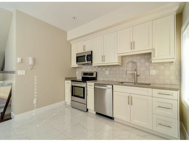 "Photo 5: 1814 E PENDER Street in Vancouver: Hastings Townhouse for sale in ""AZALEA HOMES"" (Vancouver East)  : MLS® # V1051710"