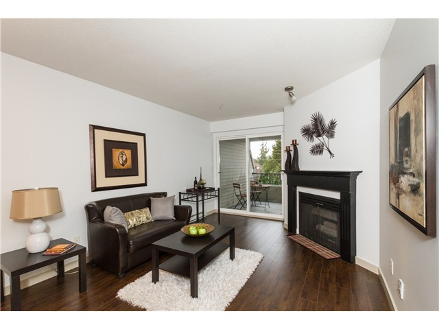 "Main Photo: 401 2680 W 4TH Avenue in Vancouver: Kitsilano Condo for sale in ""STAR OF KITSILANO"" (Vancouver West)  : MLS®# V1054279"