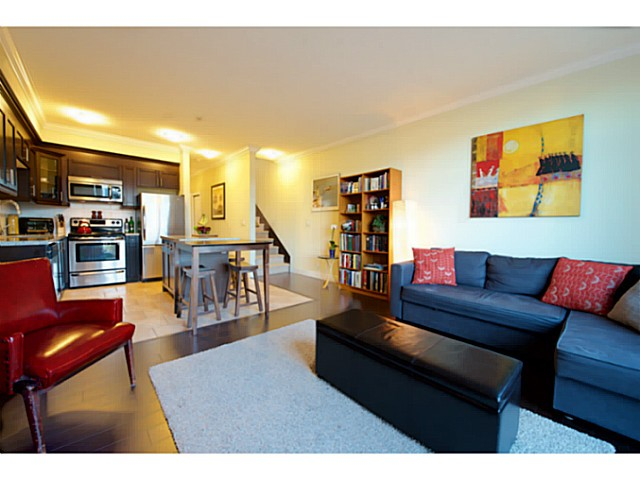 "Main Photo: 203 1637 E PENDER Street in Vancouver: Hastings Townhouse for sale in ""VVEHA"" (Vancouver East)  : MLS(r) # V1108254"