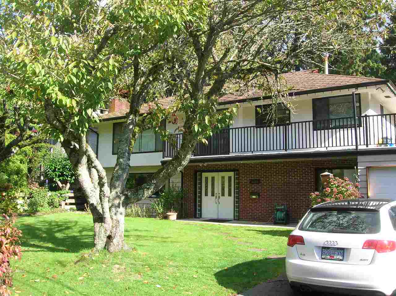 Main Photo: 4476 PRIMROSE Lane in NORTH VANC: Canyon Heights NV House for sale (North Vancouver)  : MLS® # R2008536