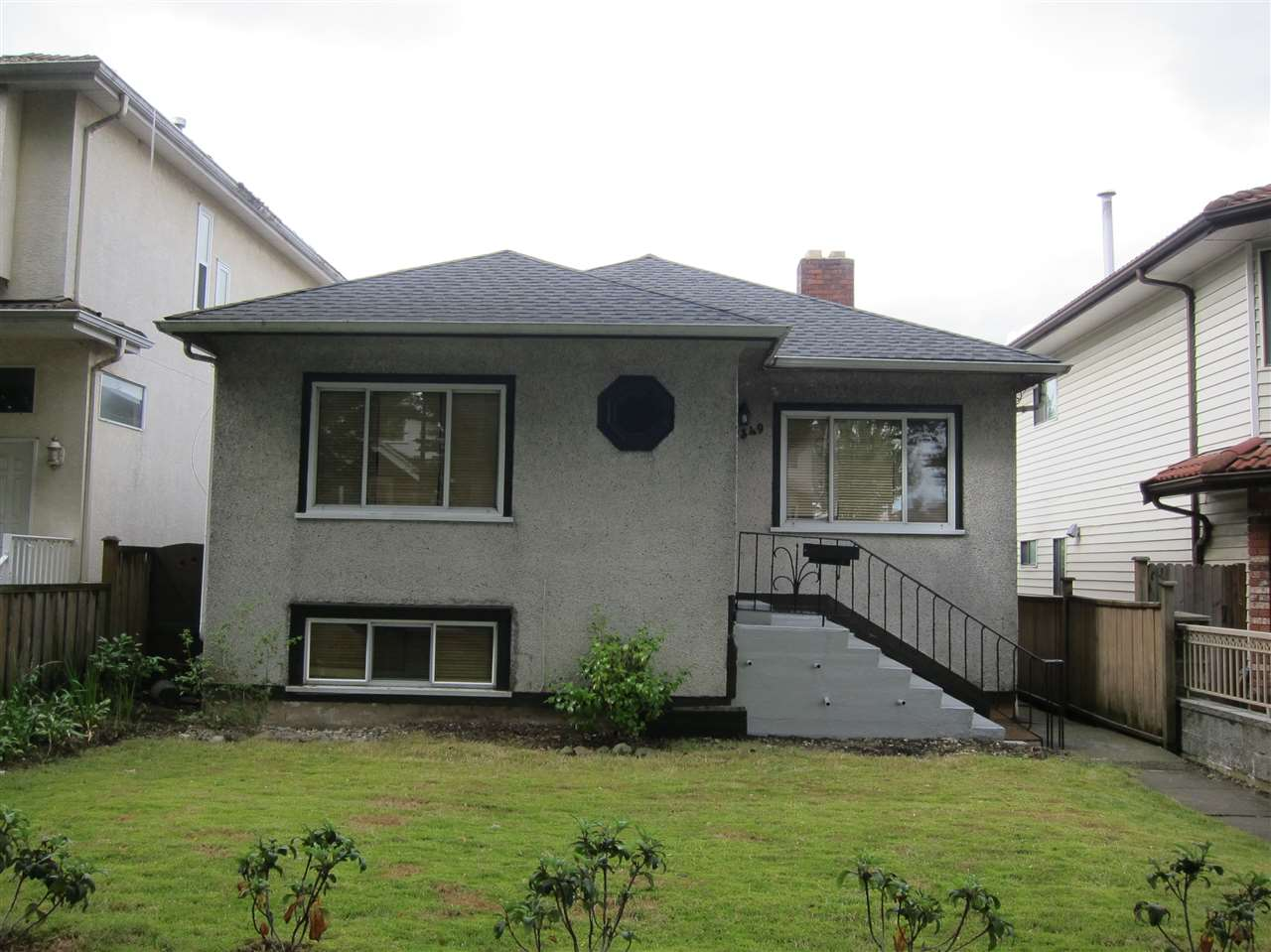 "Main Photo: 1349 E 24TH Avenue in Vancouver: Knight House for sale in ""CEDAR COTTAGE AREA"" (Vancouver East)  : MLS® # R2078291"