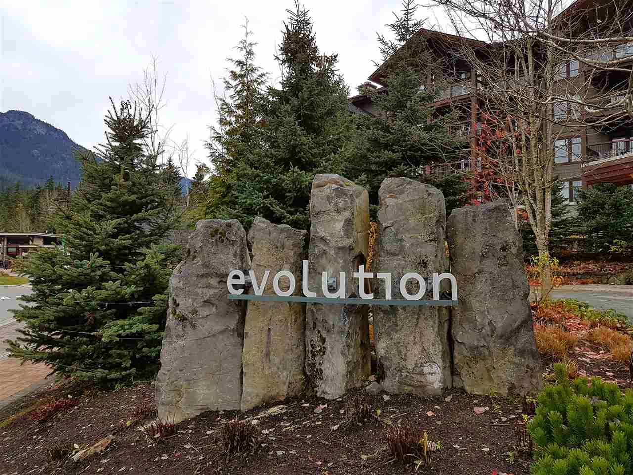 "Main Photo: 413b 2020 LONDON Lane in Whistler: Whistler Creek Condo for sale in ""Evolution"" : MLS® # R2122024"
