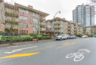 "Main Photo: 124 801 KLAHANIE Drive in Port Moody: Port Moody Centre Condo for sale in ""INGLENOOK"" : MLS(r) # R2146405"