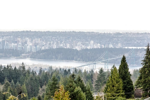 "Photo 3: 507 CRAIGMOHR Place in West Vancouver: Glenmore House for sale in ""GLENMORE"" : MLS(r) # R2155569"