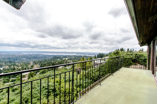 "Photo 6: 507 CRAIGMOHR Place in West Vancouver: Glenmore House for sale in ""GLENMORE"" : MLS(r) # R2155569"