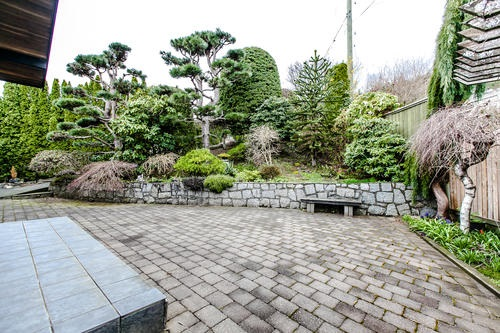"Photo 10: 507 CRAIGMOHR Place in West Vancouver: Glenmore House for sale in ""GLENMORE"" : MLS(r) # R2155569"