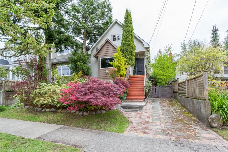 Main Photo: 4550 JAMES Street in Vancouver: Main House for sale (Vancouver East)  : MLS® # R2168084