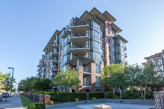 "Main Photo: 306 1551 FOSTER Street: White Rock Condo for sale in ""Sussex House"" (South Surrey White Rock)  : MLS® # R2170329"