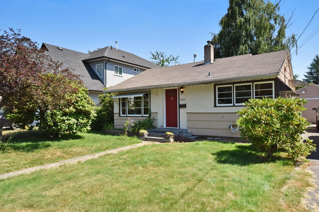 Main Photo: 7552 MURRAY Street in Mission: Mission BC House for sale : MLS® # R2192608