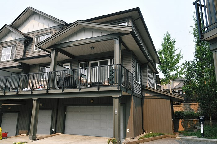 "Main Photo: 8 11176 GILKER HILL Road in Maple Ridge: Cottonwood MR Townhouse for sale in ""BLUETREE"" : MLS® # R2195657"