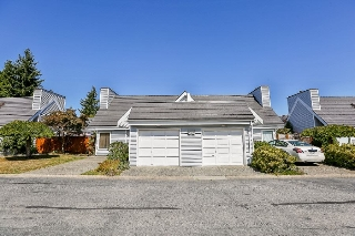 "Main Photo: 11 9771 152B Street in Surrey: Guildford Townhouse for sale in ""Turnberry"" (North Surrey)  : MLS® # R2201181"