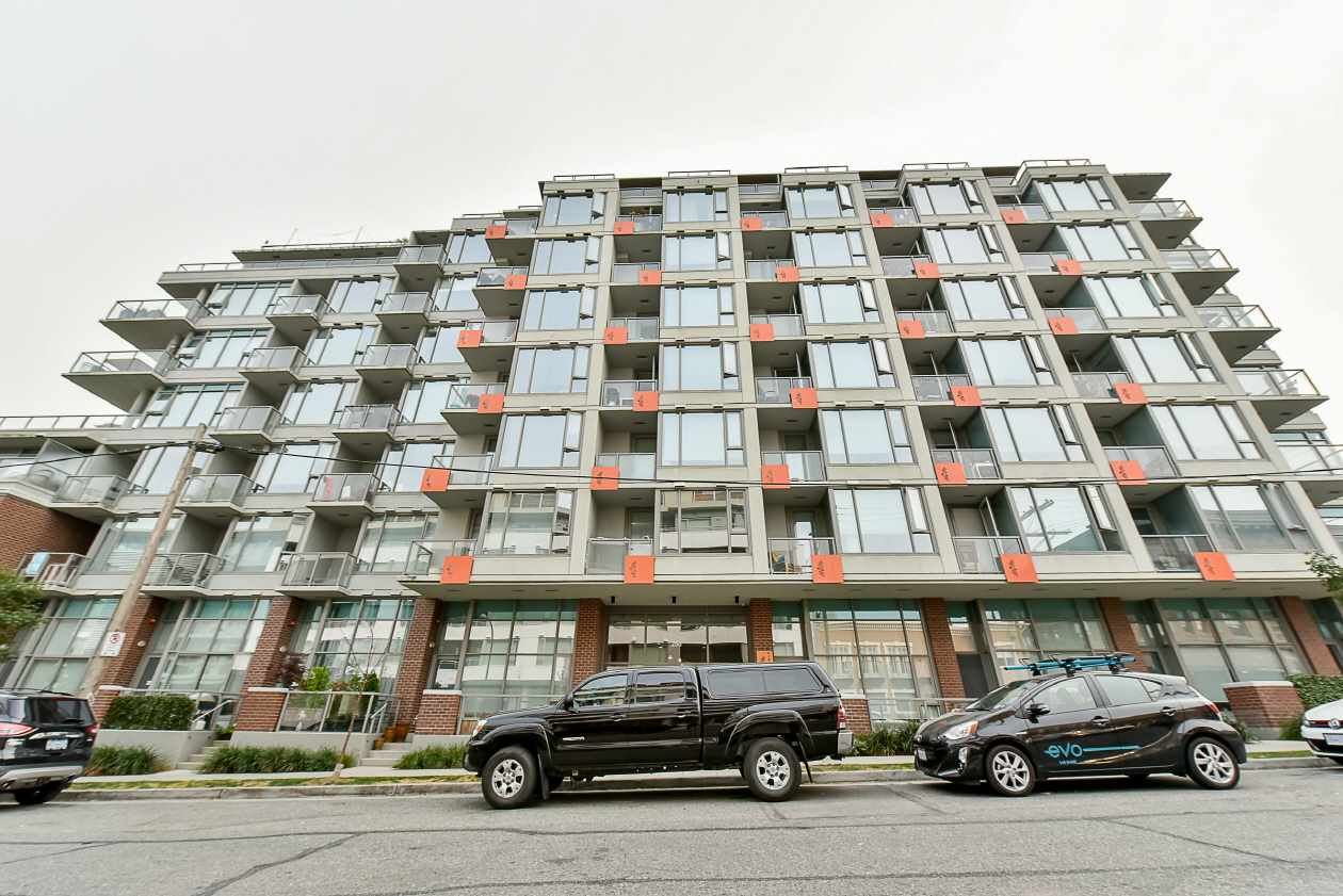 "Main Photo: 608 250 E 6TH Avenue in Vancouver: Mount Pleasant VE Condo for sale in ""DISTRICT"" (Vancouver East)  : MLS® # R2208427"