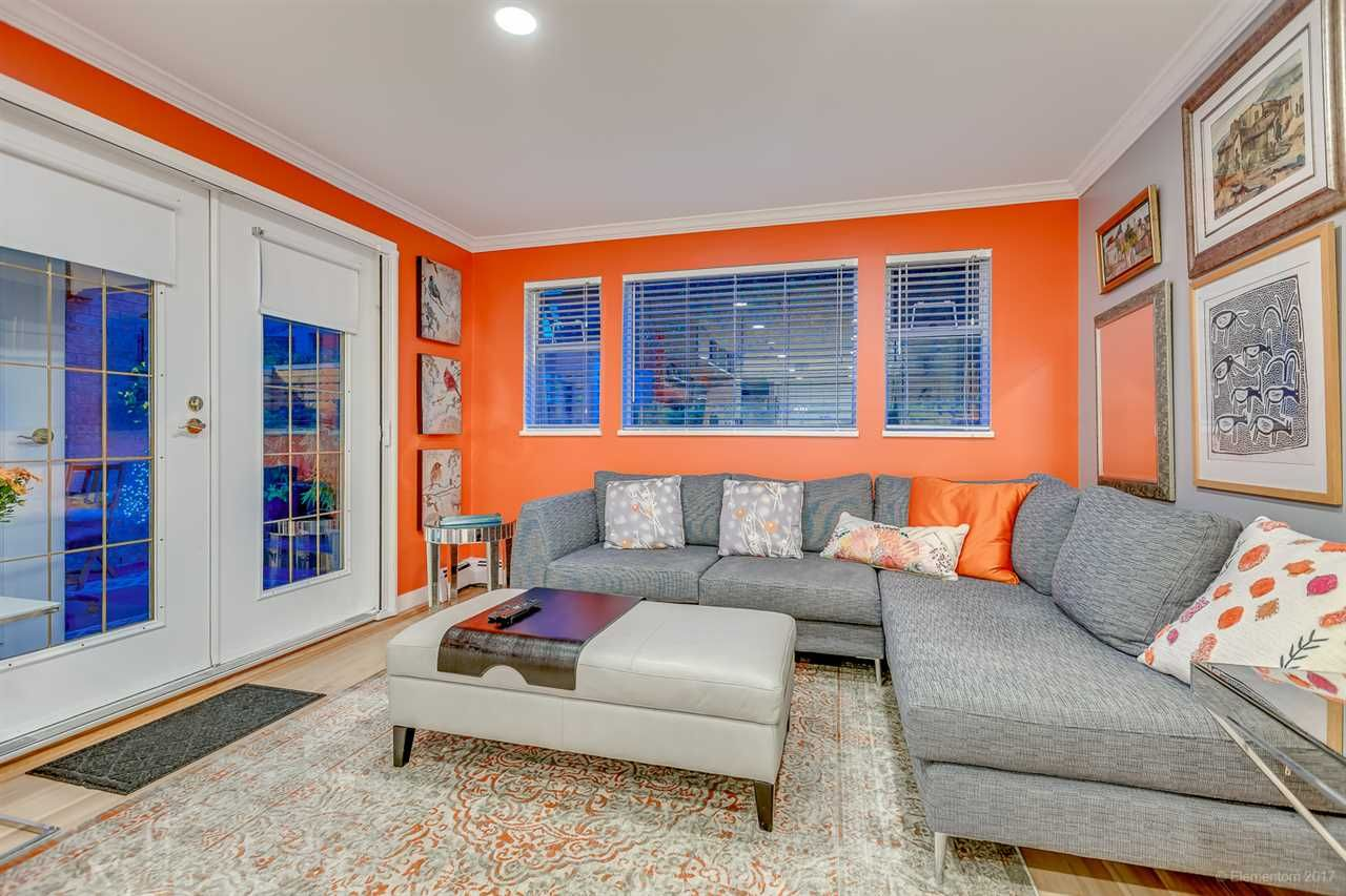 "Main Photo: 3 2130 MARINE Drive in West Vancouver: Dundarave Condo for sale in ""Lincoln Gardens"" : MLS® # R2211429"