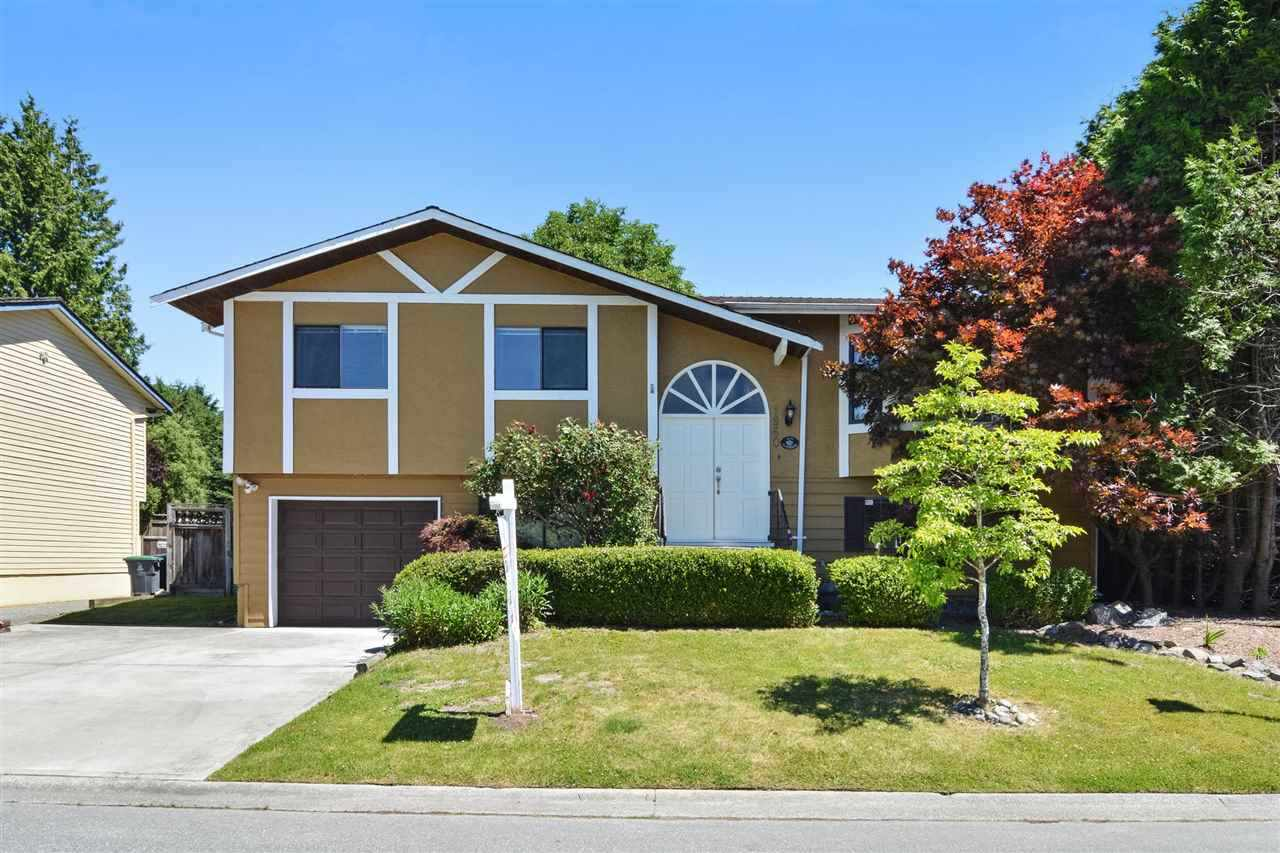 Main Photo: 1960 148A Street in Surrey: Sunnyside Park Surrey House for sale (South Surrey White Rock)  : MLS® # R2227170