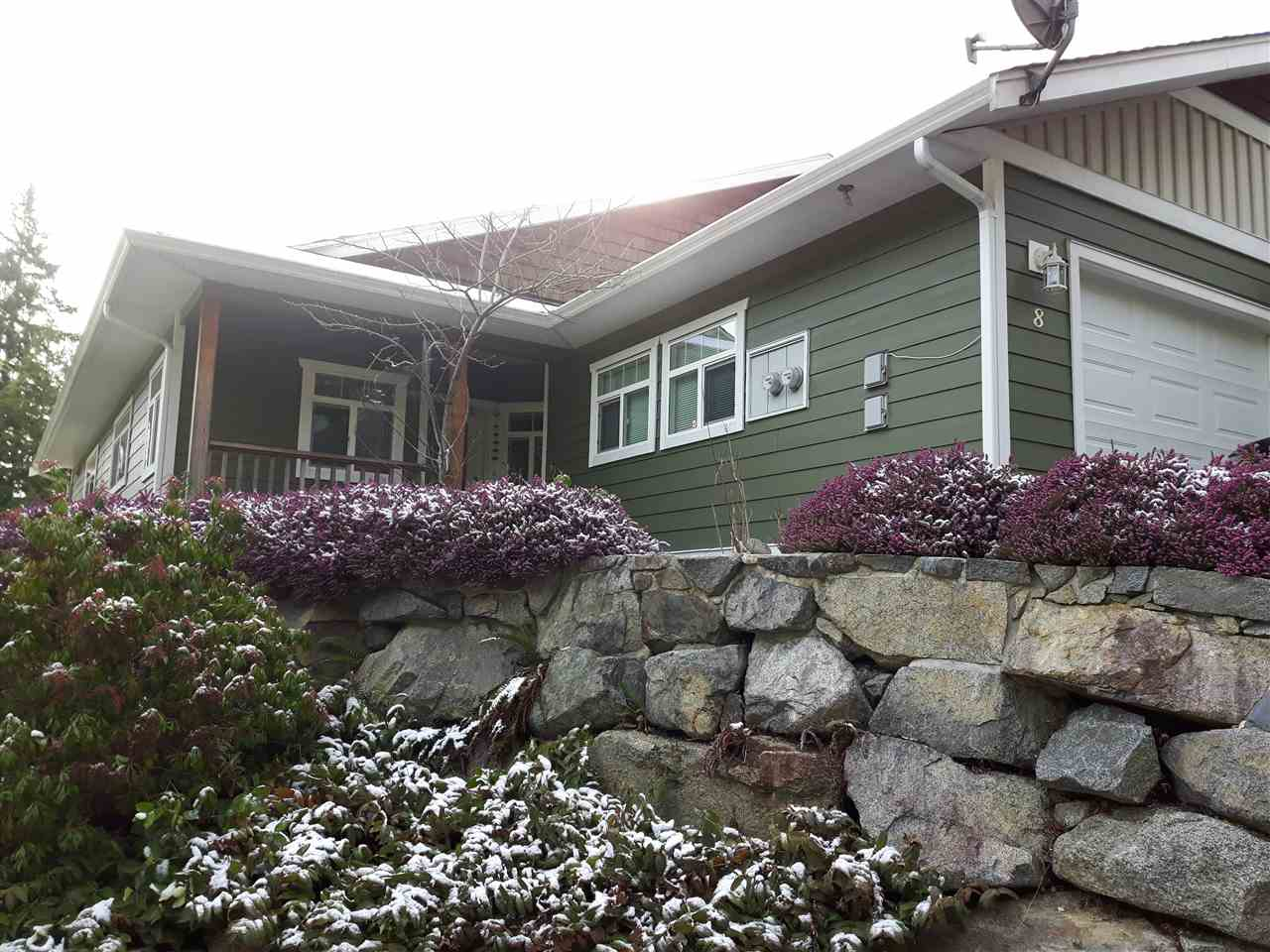 "Photo 3: Photos: 8 12710 LAGOON Road in Pender Harbour: Pender Harbour Egmont House 1/2 Duplex for sale in ""LILY LAKE"" (Sunshine Coast)  : MLS® # R2243902"