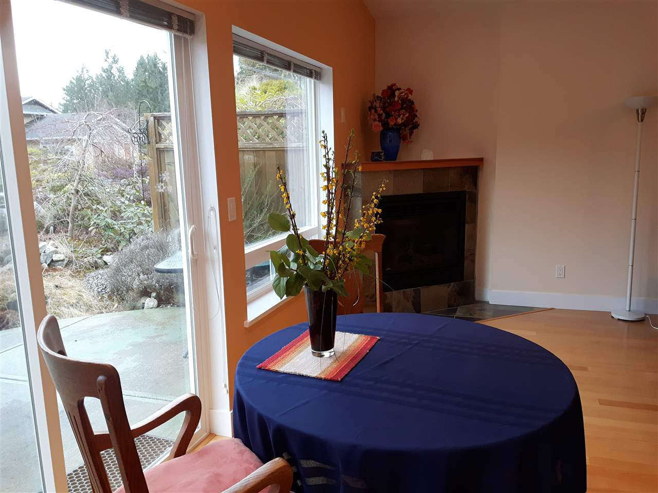 "Photo 11: Photos: 8 12710 LAGOON Road in Pender Harbour: Pender Harbour Egmont House 1/2 Duplex for sale in ""LILY LAKE"" (Sunshine Coast)  : MLS® # R2243902"