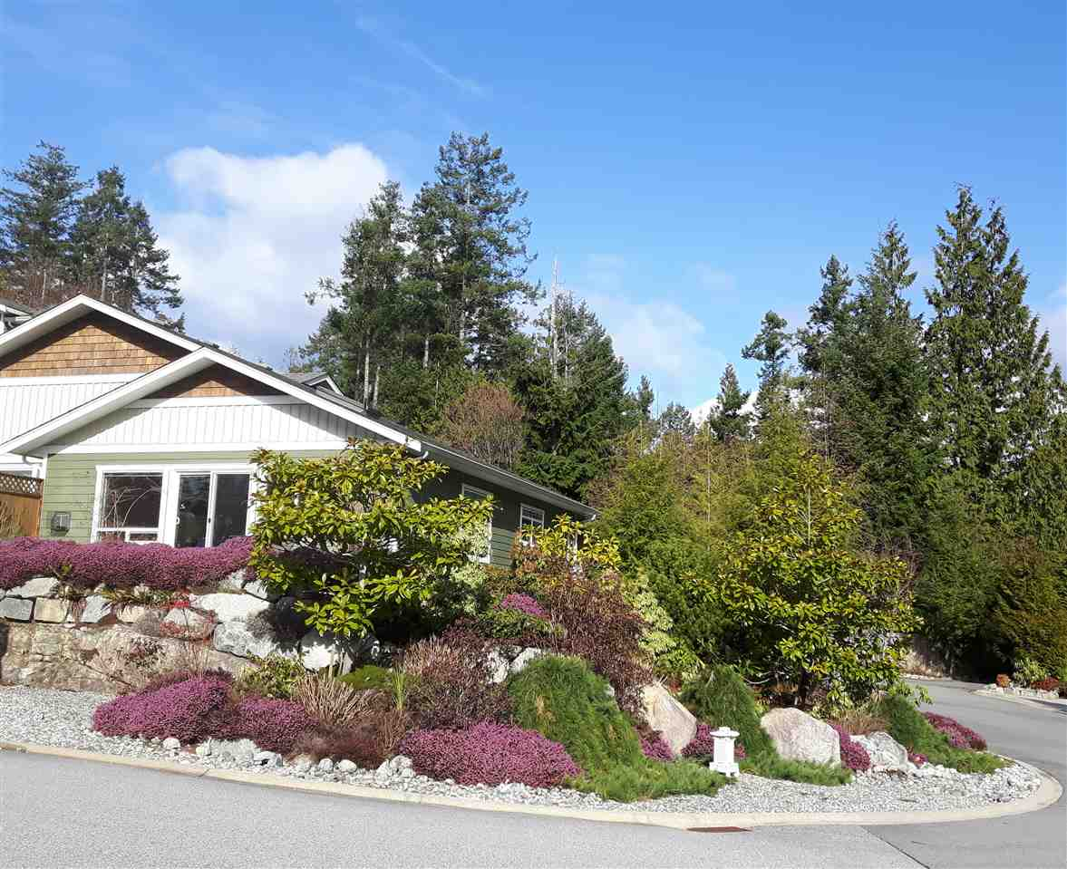 "Photo 2: Photos: 8 12710 LAGOON Road in Pender Harbour: Pender Harbour Egmont House 1/2 Duplex for sale in ""LILY LAKE"" (Sunshine Coast)  : MLS®# R2243902"