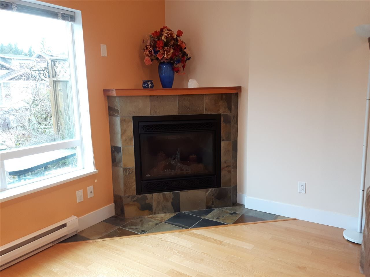 "Photo 12: Photos: 8 12710 LAGOON Road in Pender Harbour: Pender Harbour Egmont House 1/2 Duplex for sale in ""LILY LAKE"" (Sunshine Coast)  : MLS® # R2243902"