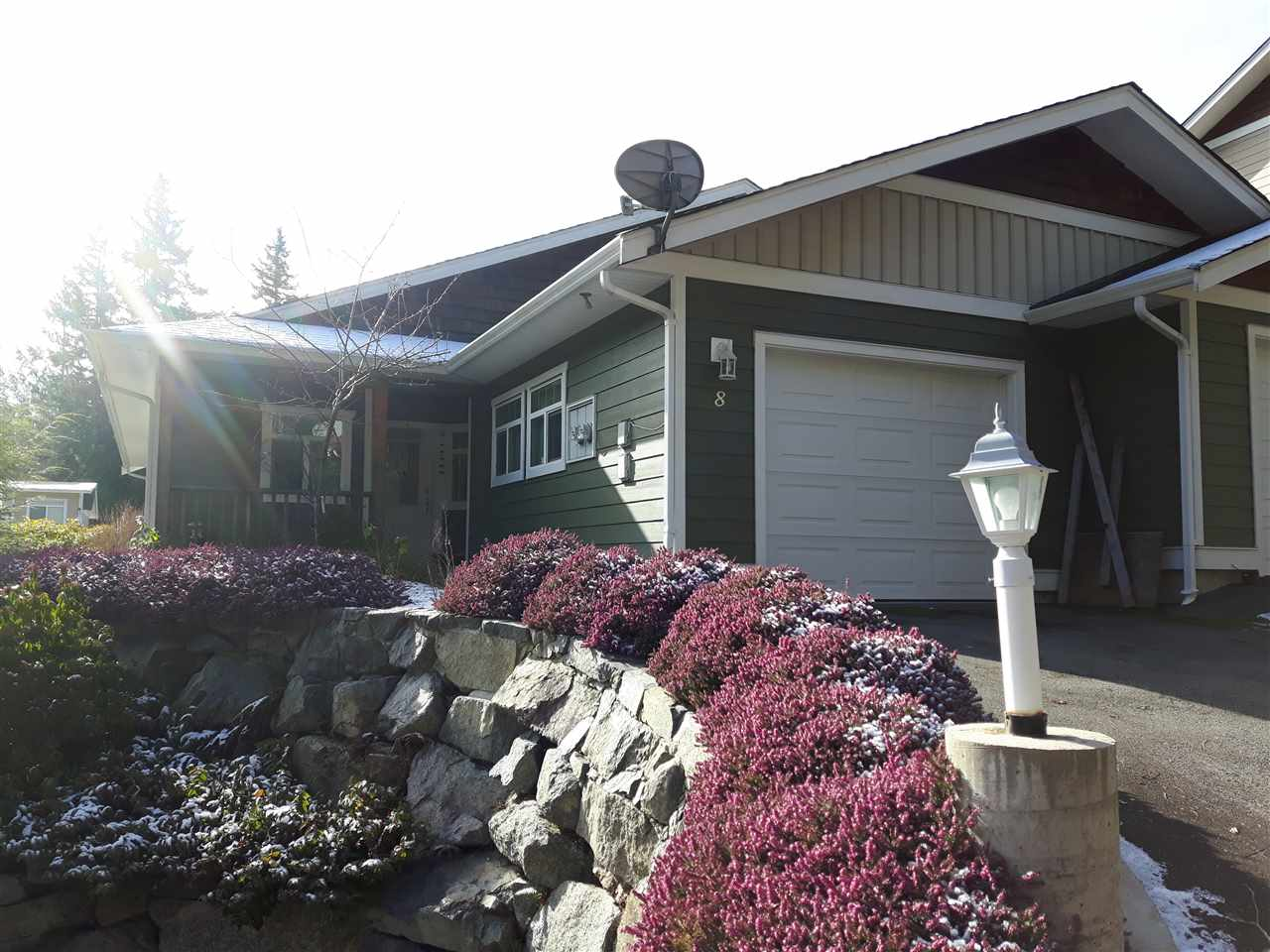 "Photo 4: Photos: 8 12710 LAGOON Road in Pender Harbour: Pender Harbour Egmont House 1/2 Duplex for sale in ""LILY LAKE"" (Sunshine Coast)  : MLS®# R2243902"