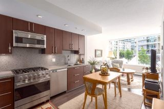 "Main Photo: 257 108 W 1ST Avenue in Vancouver: False Creek Condo for sale in ""WALL CENTRE FALSE CREEK"" (Vancouver West)  : MLS®# R2296115"