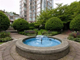 Main Photo: 302 2628 ASH Street in Vancouver: Fairview VW Townhouse for sale (Vancouver West)  : MLS® # V957986